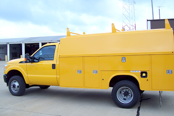 New Versalift  U0026 Elliott Bucket Trucks For Sales