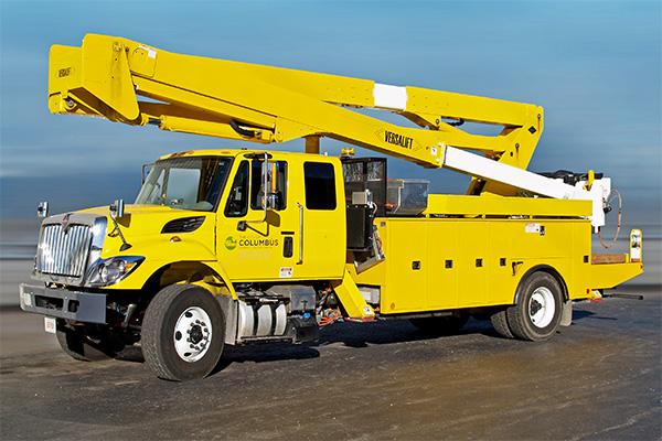 Versalift VST-7500 bucket truck