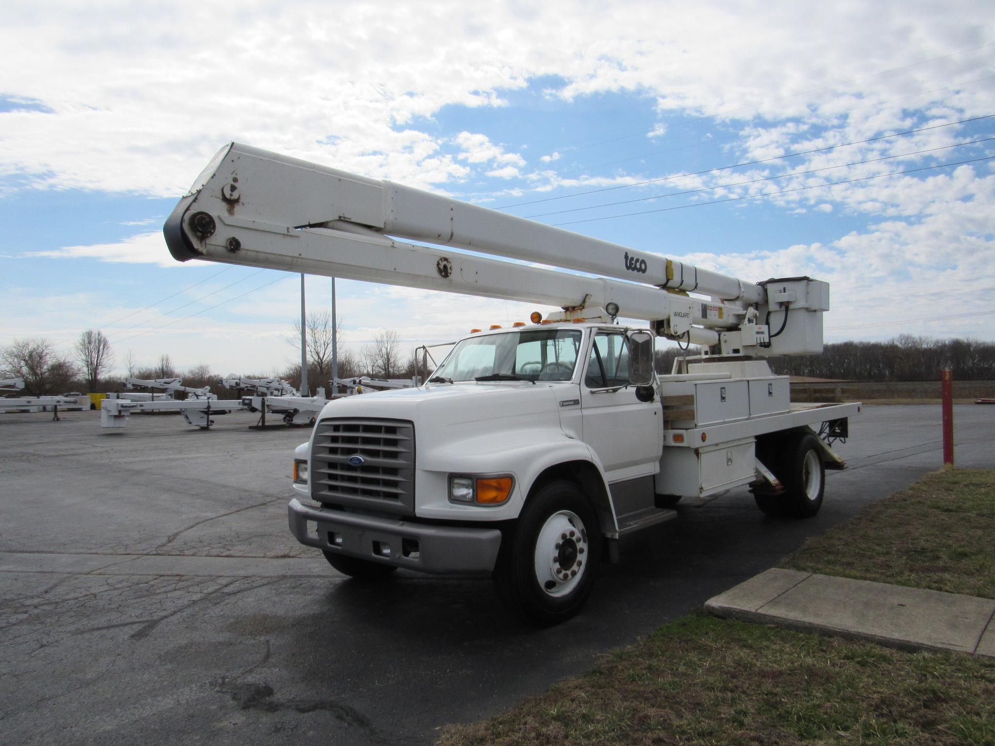 Used Bucket Trucks For Sale Utility Truck Equipment Inc